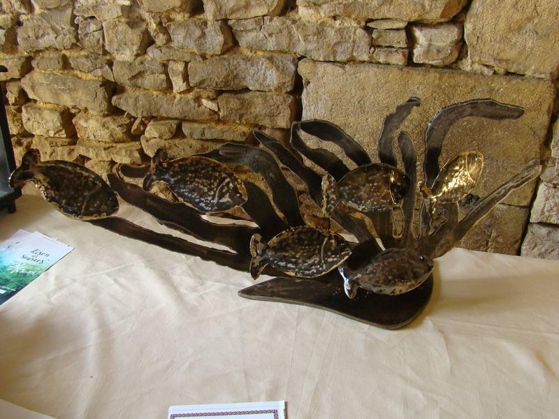 corail-banc-de-poissons-sculpture